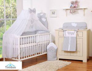 lit en bois bébé à barreaux