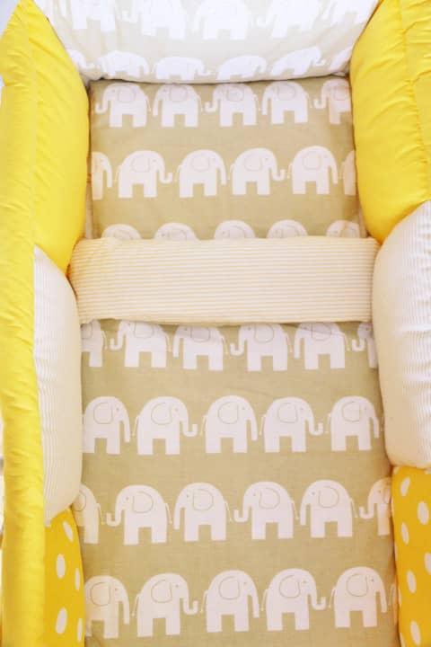 tour de lit jaune pour bebe