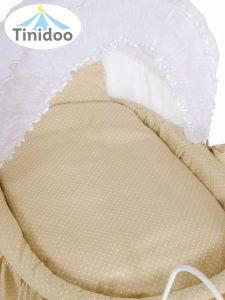 lit bébé de style ancien