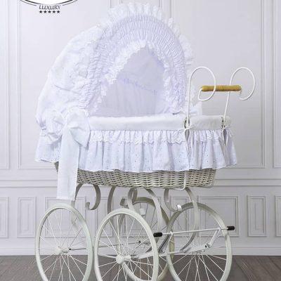 lit bébé de style vintage