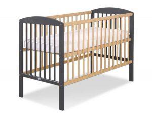 lit bébé noir et bois naturel