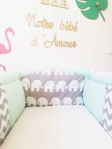 décoration tropicale dans chambre bébé fille